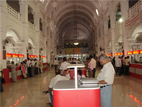 Postal Services in Lucknow