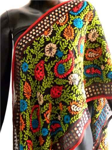 http://im.hunt.in/cg/ludhiana/City-Guide/m1m-phulkari.jpg