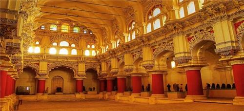 Architecture of Thirumalai Nayak Palace