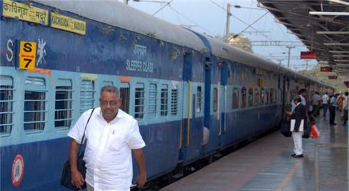 Trains from Madurai to Tiruchirapalli
