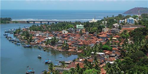 Best spots for family getaways in Maharashtra