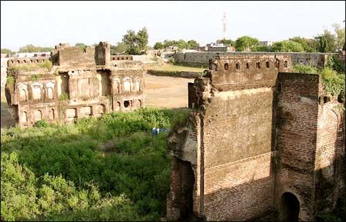 Parola Fort in Jalgaon