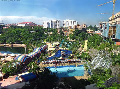 Dreamworld water park in Kolhapur