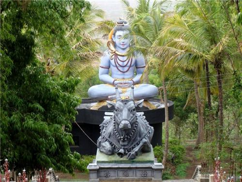 Siddhagiri Gramjivan Museum (Kaneri Math)