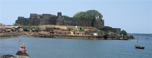 Jaigad Fort and Lighthouse in Ratnagiri