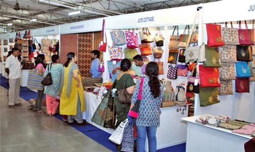 Consumers at the Trade Fair