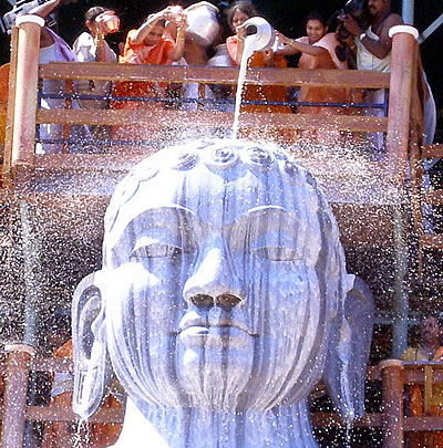 Bahubali Gomateshwara doused in milk
