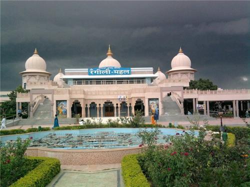 Rangili Mahal in Barsana