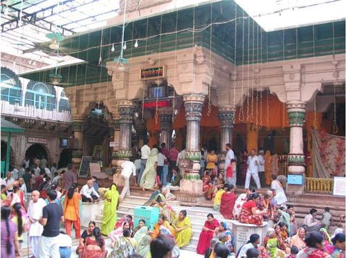 Dwarkadheesh Temple in Mathura