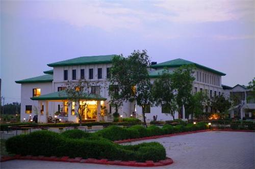 Country Inn Resort Mathura