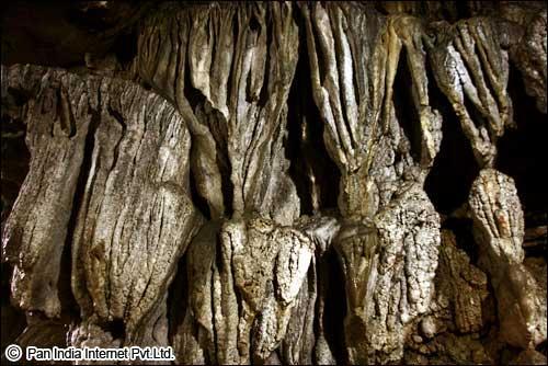 Mawmluh cave, Cheerapunji