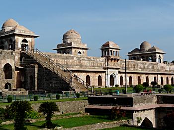Madhya Pradesh during Mughal periods