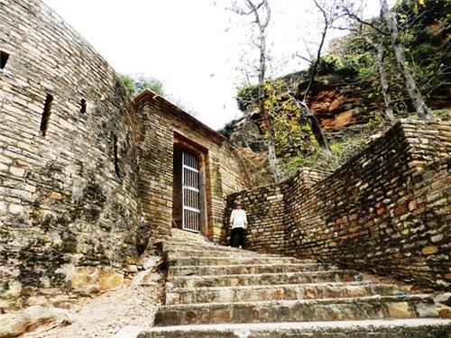 Madhya Pradesh historical monuments