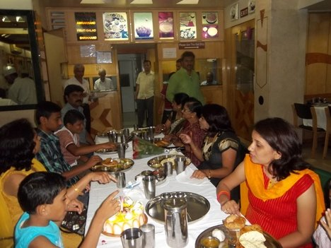 Restaurant in Katni