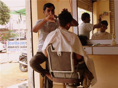 Narasinghpur city based saloons are popular amongst the locals and visitors