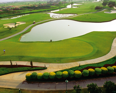 golf courses in noida
