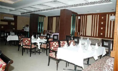 Narain Continental, Patiala (Source:http://www.tripadvisor.in/Hotel_Review-g659325-d1585562-Reviews-Narain_Continental-Patiala_Punjab.html)