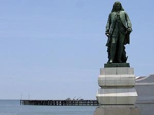 Pondicherry Dupleix Statue