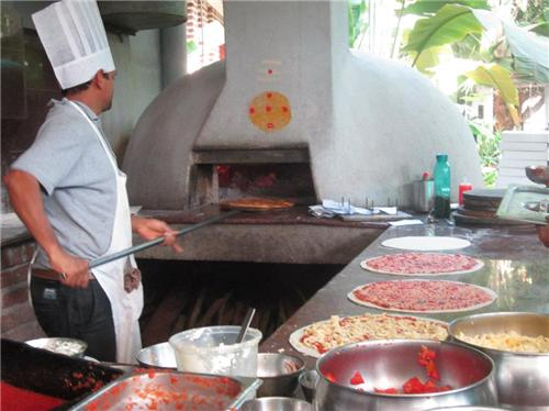 Tantalizing Tanto Pizza