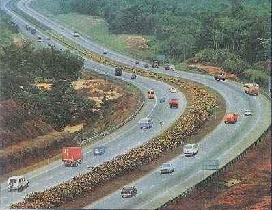 http://im.hunt.in/cg/pune/City-Guide/m1m-mumbai_pune-expressway.jpg