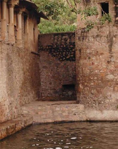 Bhangarh Bowli