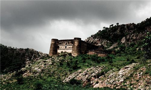 view-bhangarh.jpg