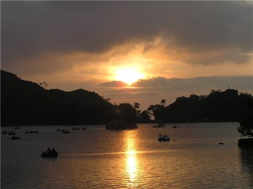 Nakki Lake in Mount Abu