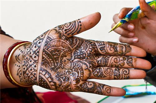 mehendi and tattoo a must try in rajasthan