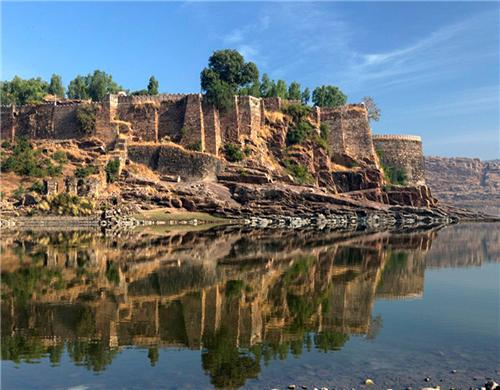 A different view of the Gagron Fort of Jhalawar-Credit Panoramia
