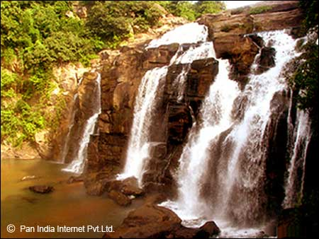 Famous Waterfall in Ranchi