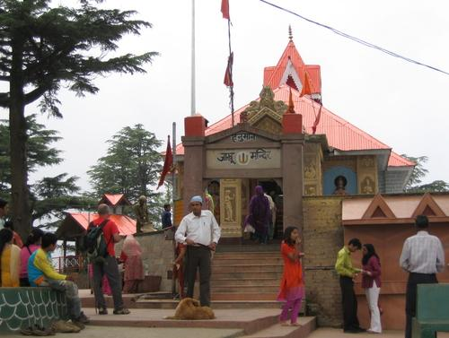 Front view of the Jakhoo Temple