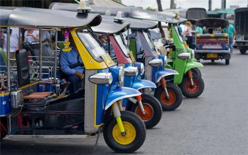 Autos in Shinla