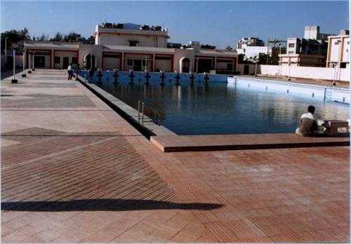 Adajan_swimming_pool