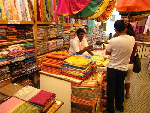 Saree market in Thane