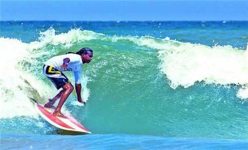 Covelong Surfing