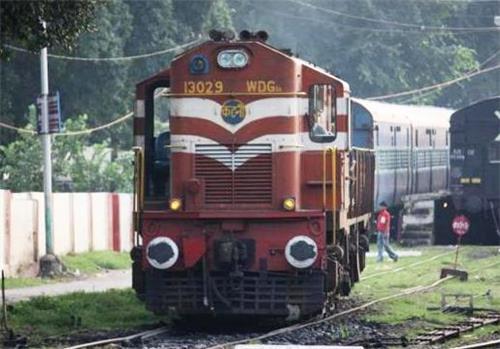 Railways in Adari