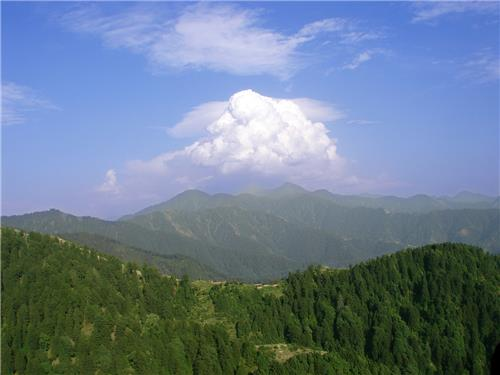 A view of the Chamba hill town