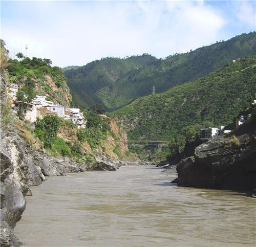 A view of the Alaknanda River