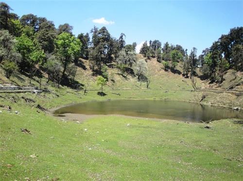 Thamri Tal near Munsiyari