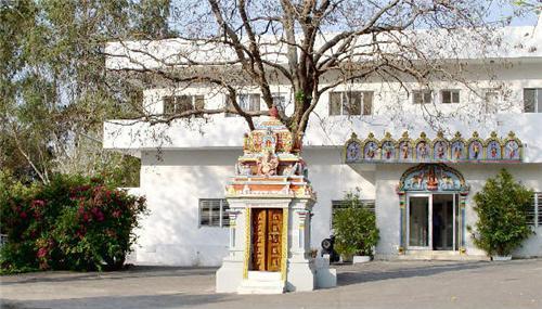 Omkarananda Ashram in Rishikesh