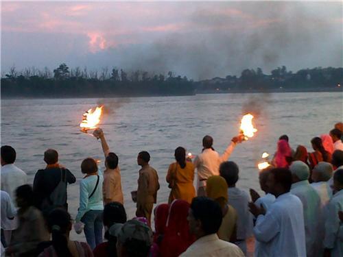 Aarti of River Ganges at Triveni Ghat