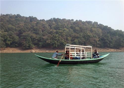 Weekend getaways near Chittaranjan
