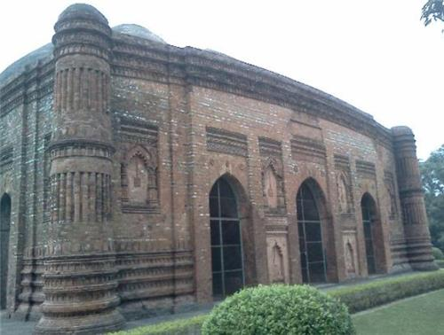 Mosques in Malda