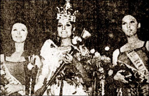Zeenat Aman crowned