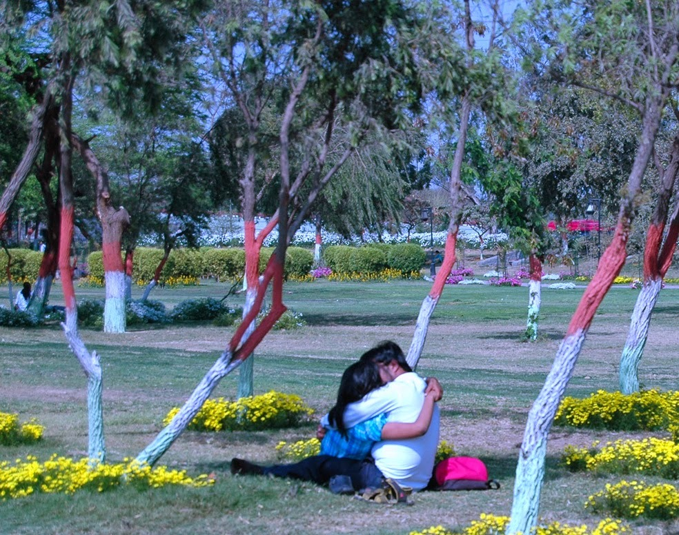 10 Best Places You Must Know To Make Out In Delhi