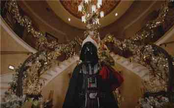 Watch What Happens When Darth Vader Of Star Wars Dresses Himself As Santa