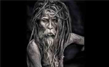 Aghori Tantrik: The Legitimate Cannibals Who Smoke Weed and Have Weird Fashion Sense