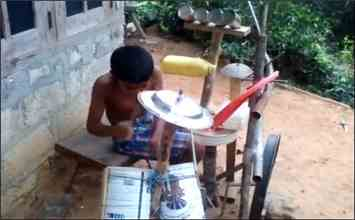 This Child Creates Music WIth His Epitome of Jugaad: Must Watch