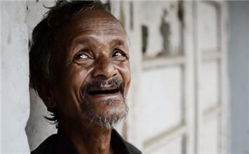 How This Poor Man Proves He Has Much More Than Money; A Big heart, Is Truly Inspiring