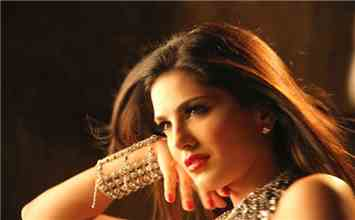 18 Lifehacks You Must Learn From Sunny Leone!